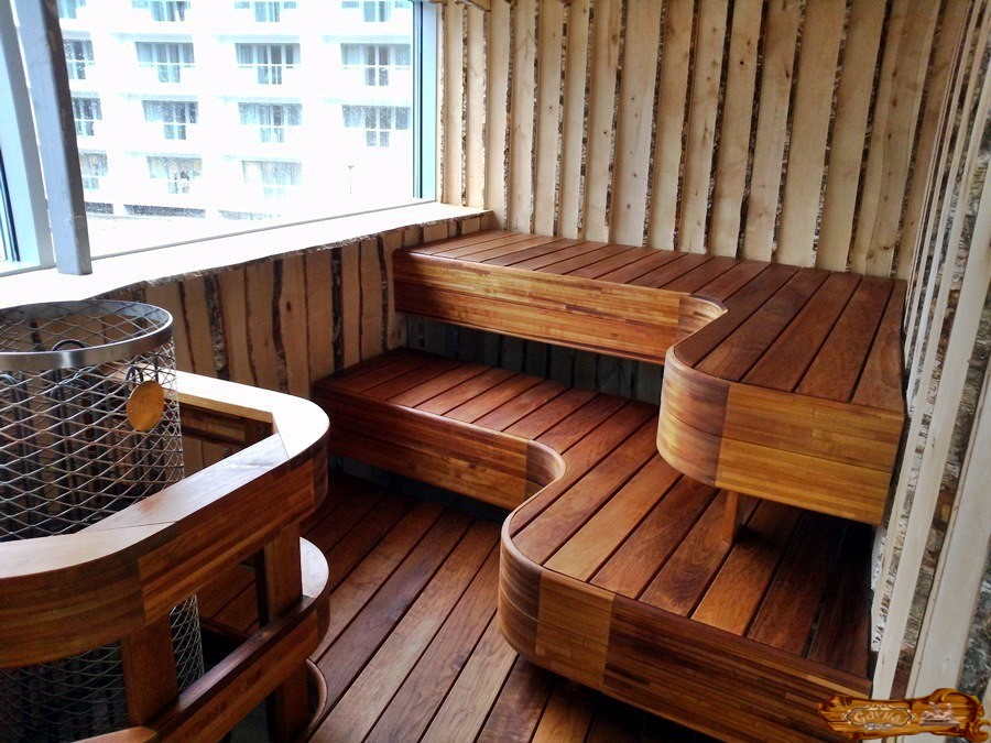 Палати из дерева в балконной сауне