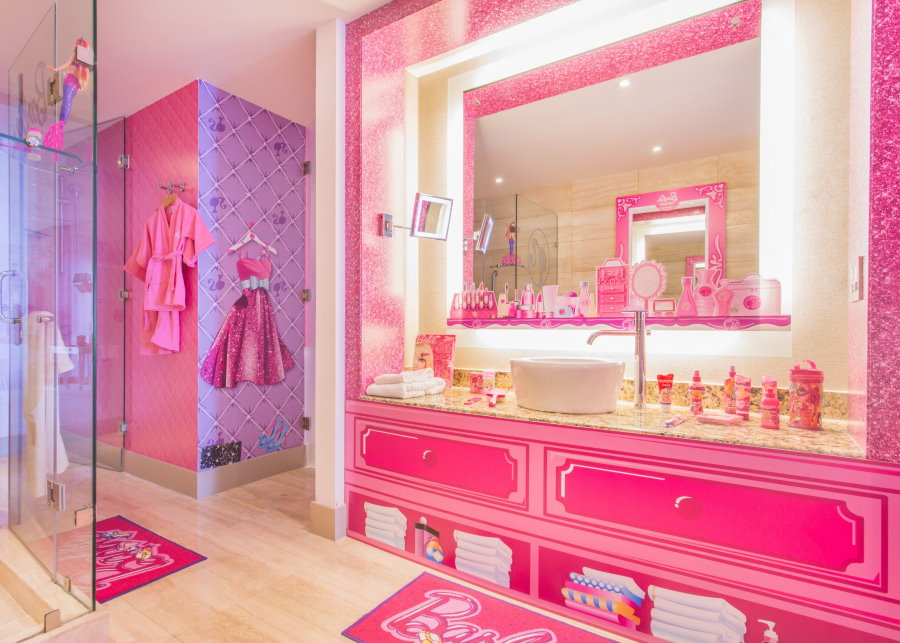 Интерьер комнаты для девочки в стиле Барби