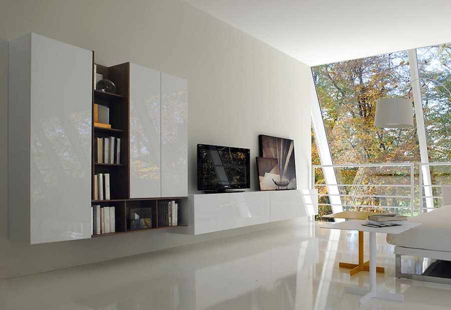 Подвесные шкафы с глянцевыми фасадами белого цвета