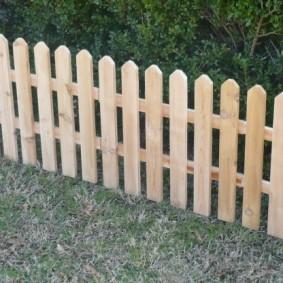 декоративный забор для сада фото обзор