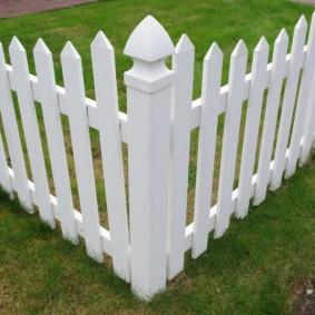 декоративный забор для сада виды дизайна