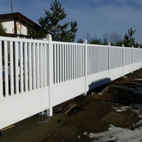 декоративный забор для сада варианты оформления