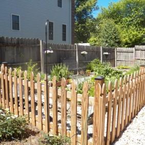 декоративный забор для сада фото дизайна