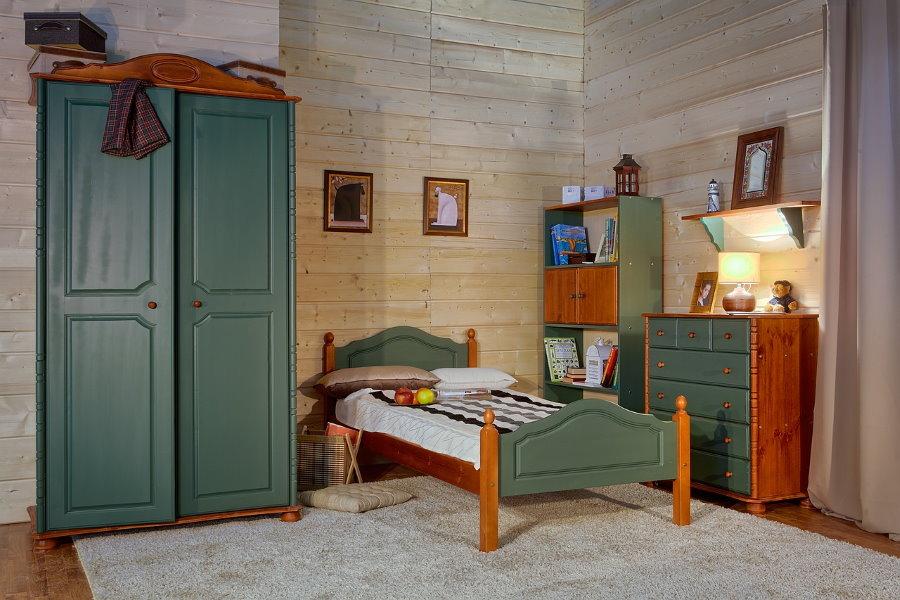 Комплект мебели из массива для комнаты школьника