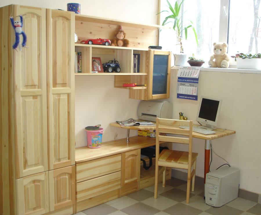 Детская мебель из дерева для малогабаритной комнаты