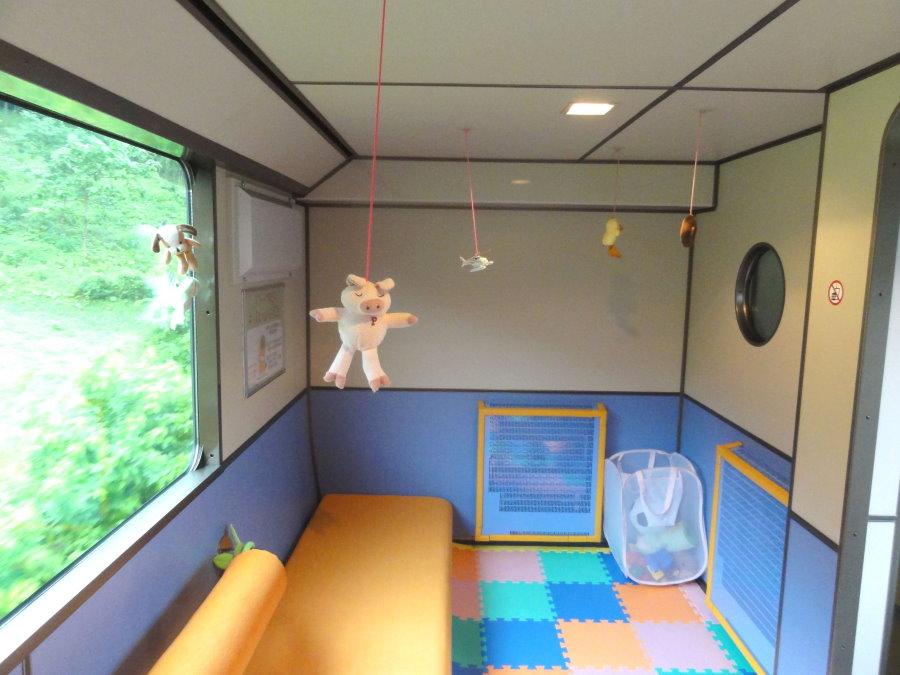 Обустройство детской игровой зоны на лоджии