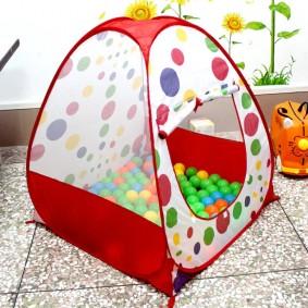 детский домик палатка с шарами