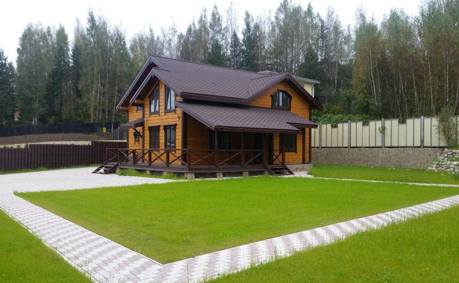 Расположение деревянного дома на земельном участке