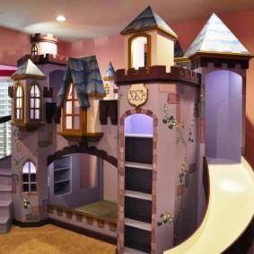 домик для мальчика замок