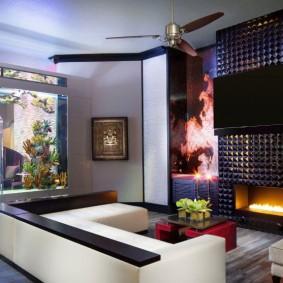 Дизайн современной гостиной с аквариумом-перегородкой