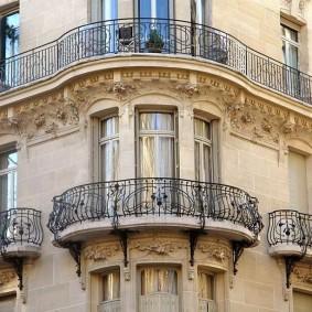 Оформление балконов в классическом стиле