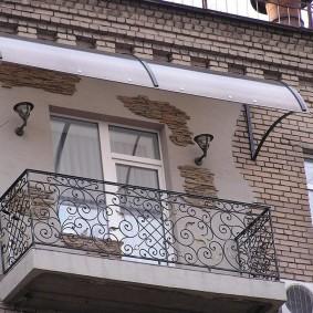 Декор фасада здание искусственным камнем