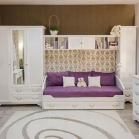 Подростковая мебель с белыми фасадами