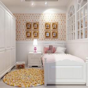 Уютная детская комната небольшого размера