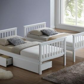 Детские кровати из недорого дерева