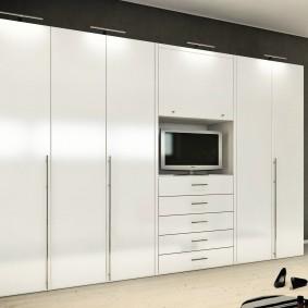 Белые шкафы с нишей под телевизор