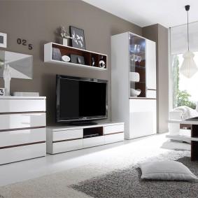 Комплект мебели с глянцевыми фасадами