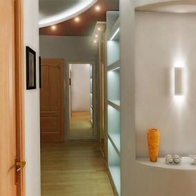 Освещение коридора в одноэтажном доме за городом