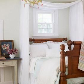 Деревянная спинка кровати для девочки подростка