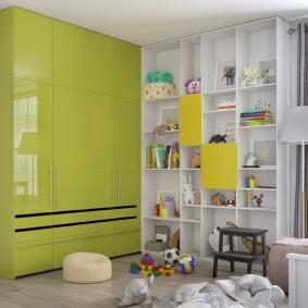 Детский шкаф с глянцевыми фасадами