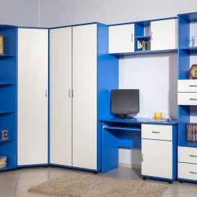 Бело-голубая мебель модульного типа