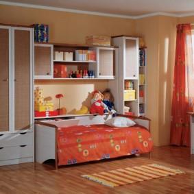 Детская стенка с кроватью в комплекте