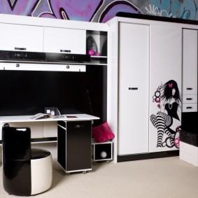 Стильная мебель в комнате подростка