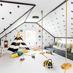 Отделка скошенного потолка в скандинавском стиле