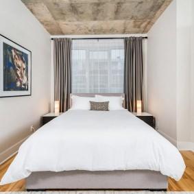 Декор картина узкой спальной комнаты