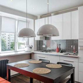 Кухонный стол прямоугольной формы