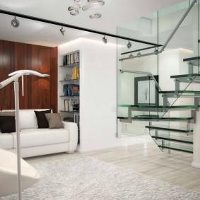 Стеклянная лестница в квартире студии