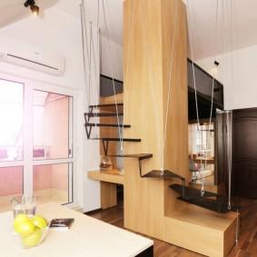 Стильная лестница с подвесными ступенями