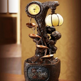 Настольный декоративный фонтан с часами