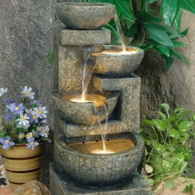 Домашний водопад из керамического материала