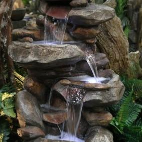 Напольный фонтан с настоящей водой