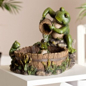 Домашний фонтан в виде сказочной лягушки