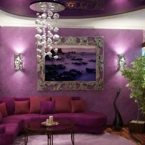 Стеклянная люстра в гостиной эко-стиля