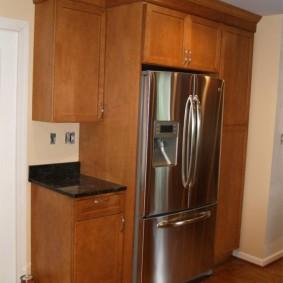 Мебель для прихожей с местом под холодильник
