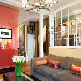 Рулонная штора в качестве перегородки в квартире