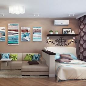 Модульные картины над диваном в хрущевке