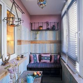 Винтажный стиль в оформлении интерьера балкона
