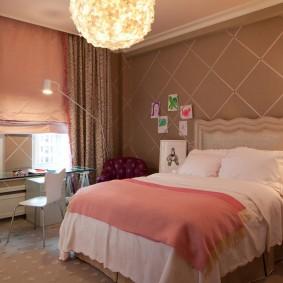 Детская спальня с коричневыми обоями