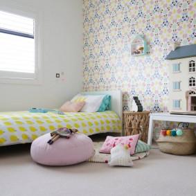 Игровой домик в спальне девочки