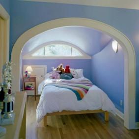 Арочный потолок в детской спальне
