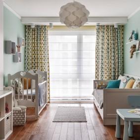 Панорамное окно в детской комнате