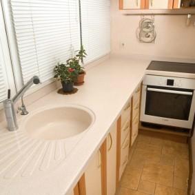 Кухонная мойка на застекленном балконе