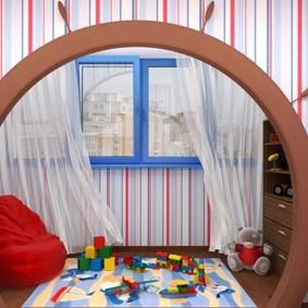 Арочный проем в детской с балконом