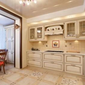 Классическая мебель в интерьере кухни