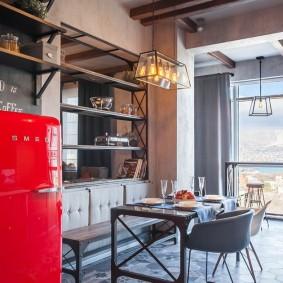 Красный холодильнике на кухне в стиле лофт