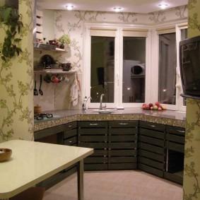 Кухня с эркером на утепленной лоджии